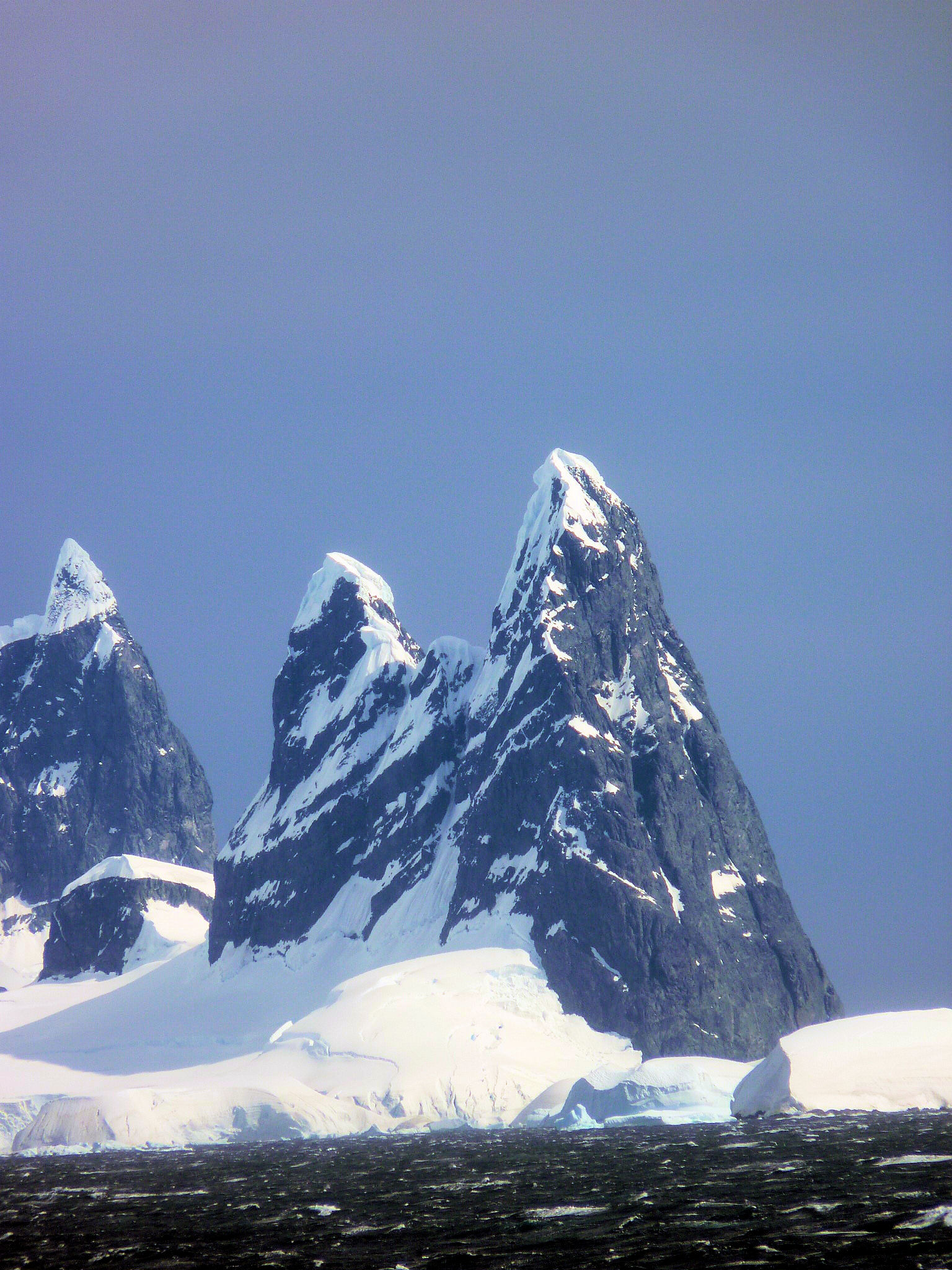 342 antarctica snow peaks wonders of the world best for Best places to visit in antarctica